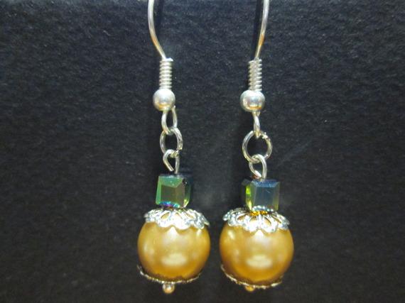 boucle d'oreille perle en cristal et verre satinée