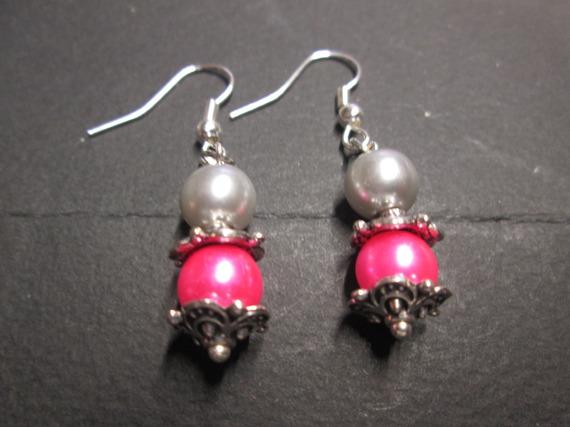 Boucle d'oreilles perle satinée rose et gris