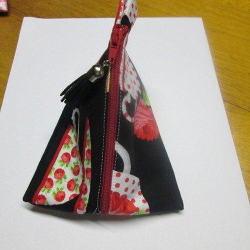 Jolie porte monnaie en tissu coton noir et motif rouge et blanc