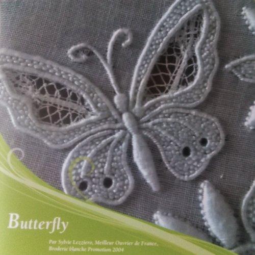 Butterfly, livret technique pédagogique, broderie de touraine (uniquement en anglais)