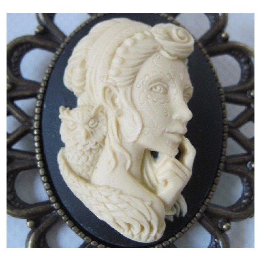 Broche camee retro vintage femme antique viking médiévale chaman fantasy chouette oiseau gothique gothic magicien sorcière celtique celte