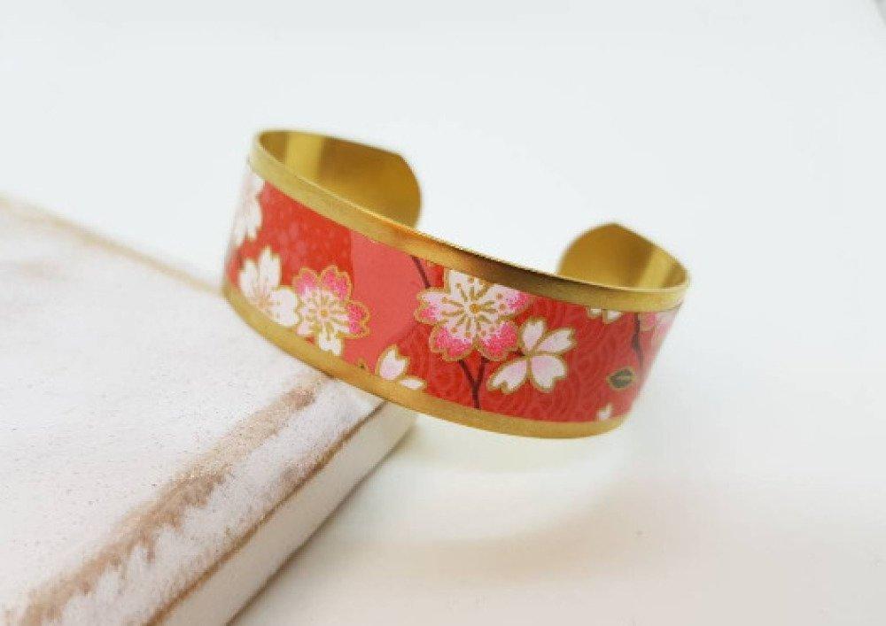 Bracelet manchette motifs fleurs de cerisier