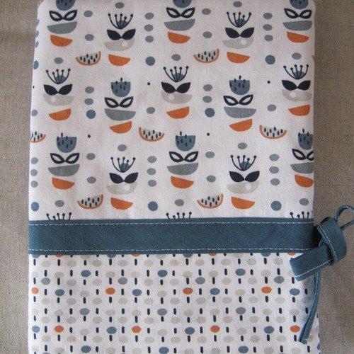 Protège-carnet de santé imprimé bleu et orange