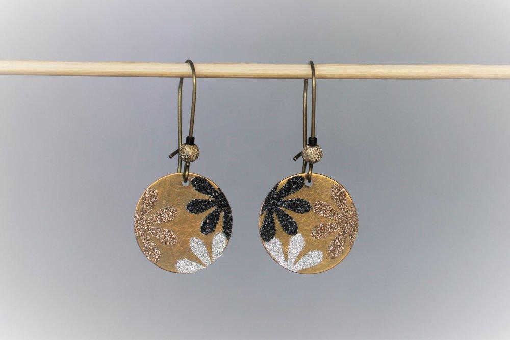 Boucles d'oreilles rondes fleurs argentées dorées noires Modèle Pâques Rettes