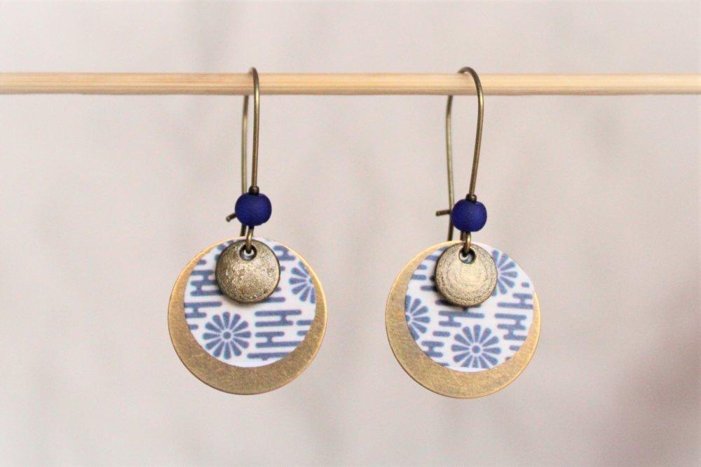 Boucles d'oreilles rondes bronze et bleu klein Modèle Eimi 詠美 : beau récit
