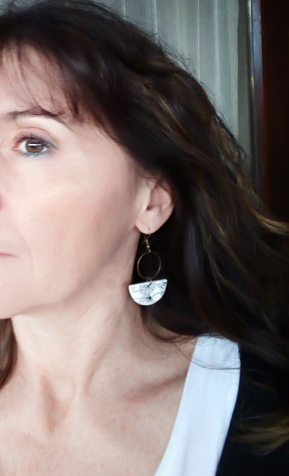 Boucles d'oreilles artisanales porcelaine froide demi lune fleurs palmiers marine NICE