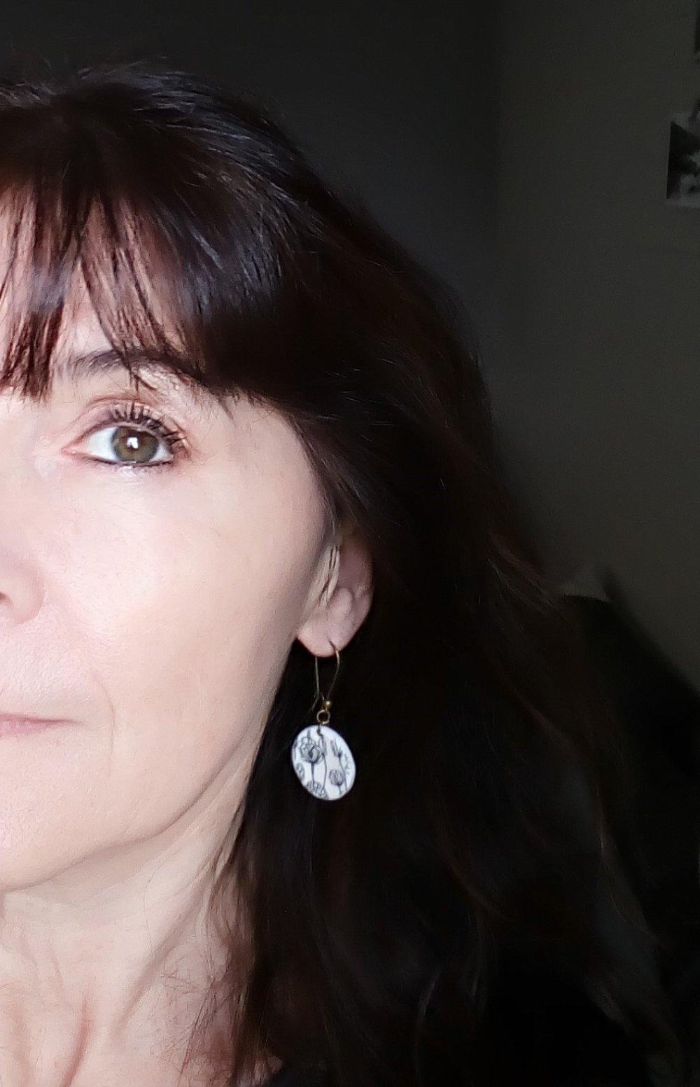 Boucles d'oreilles artisanales porcelaine froide rondes fleurs scandinaves MALMOE