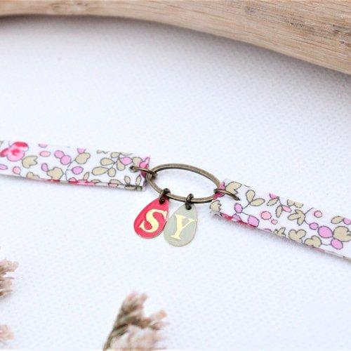 Collier personnalisé initiales liberty of london ras cou ou double bracelet medaille sequin breloque initiale eloise rose vert