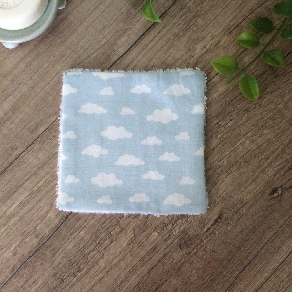 lingettes démaquillantes lavables en bambou nuage bleu