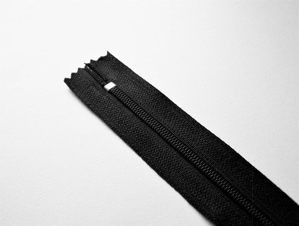 Fermeture éclair noire 20 cm