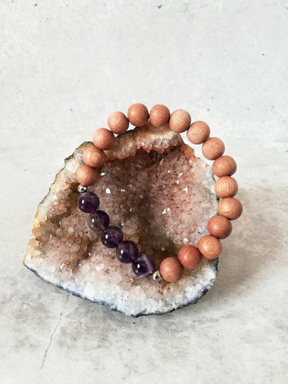 Bracelet avec perle d'Améthyste et bois de rose pour femme