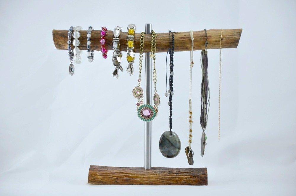 présentoir à colliers et bracelets