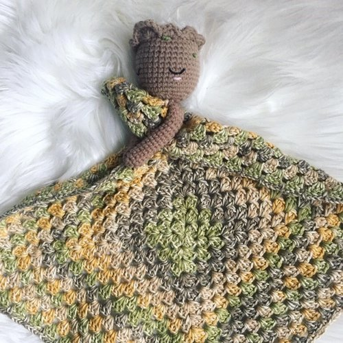 CROCHET PATTERN - AMIGURUMI BABY GROOT FAN ART | 500x500
