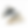 1 pendentif losange raphia 7 cm x 5.5 cm beige noir blanc