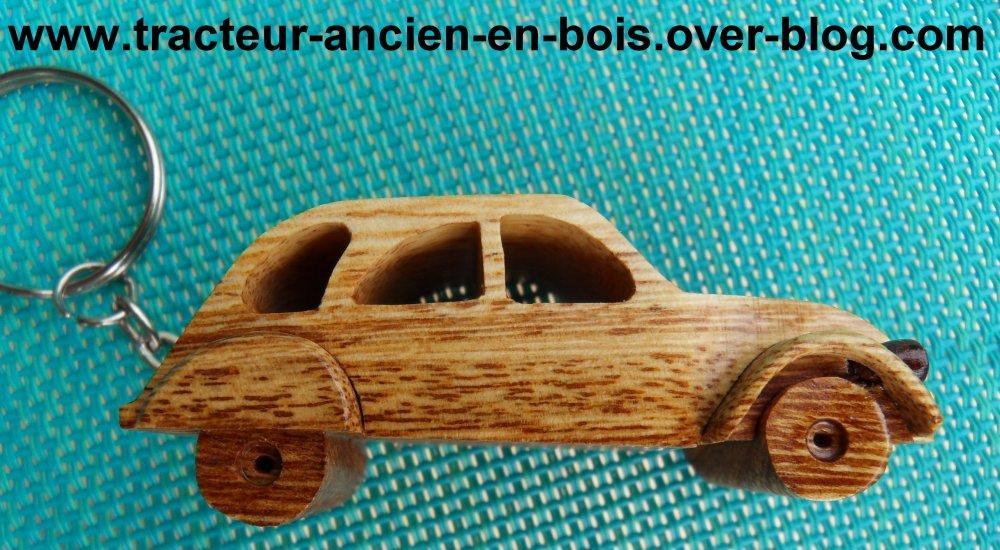 Porte clé 2cv en bois massif