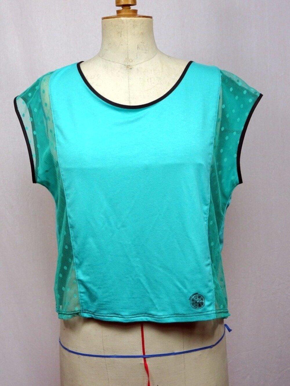 T-shirt femme dos-nu ample vert bleu avec transparence