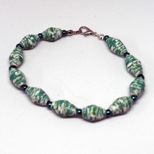Bracelet fantaisie perles en papier verte