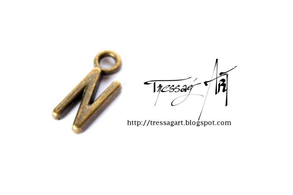 Lettre N Charm Alphabet - Couleur bronze - pendentif