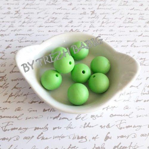 Perle ronde 15 mm silicone pour bébé vert feuille