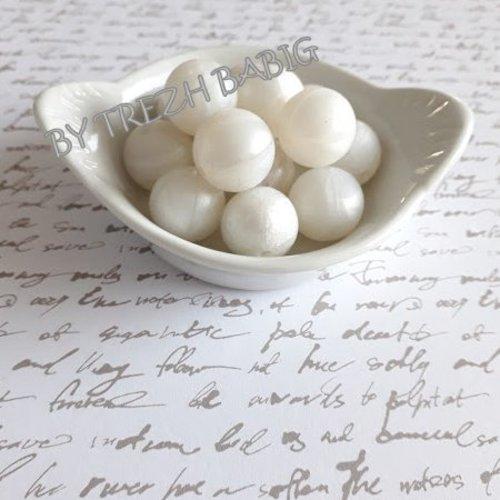 Perle ronde 15 mm silicone pour bébé blanc nacre