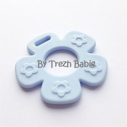 Anneau de dentition fleur modèle 2 bleu ciel
