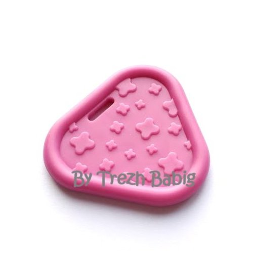 Anneau de dentition triangle bébé rose fuschia