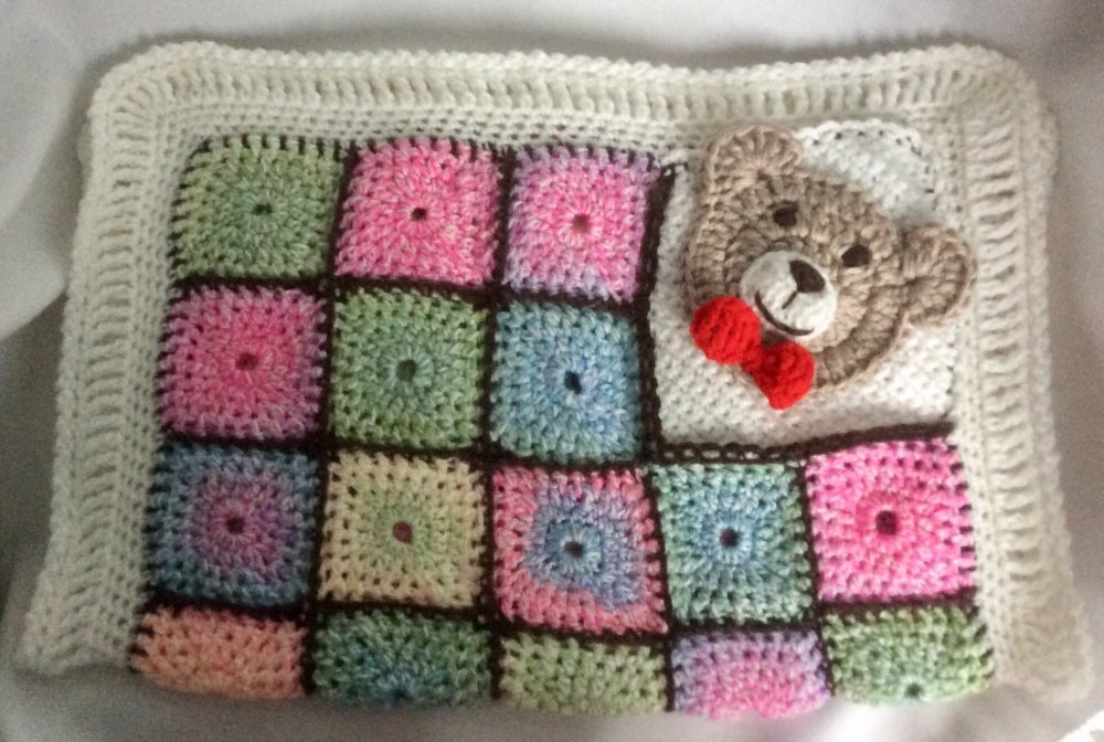 Chic couverture amigurumi,patchwork  au crochet ,acrylique multicolore pour bébé