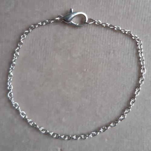 1 bracelet 20 cm argenté clair