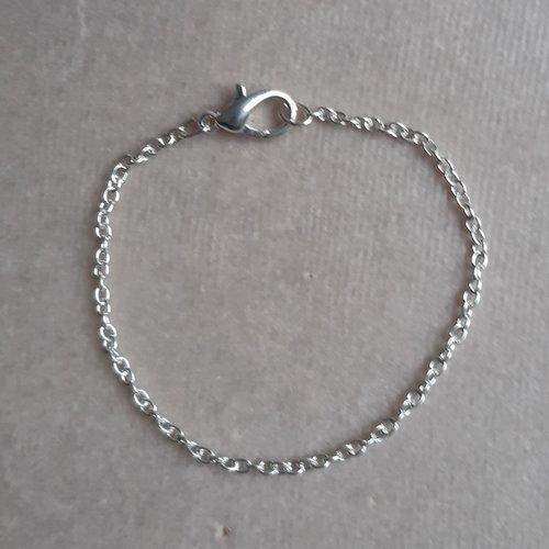 1 bracelet 18 cm argenté clair