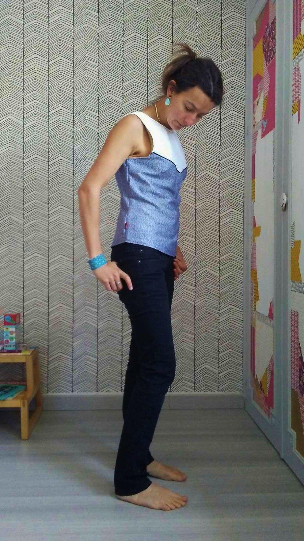 Débardeur décolleté dos bleu jean et blanc 36 38