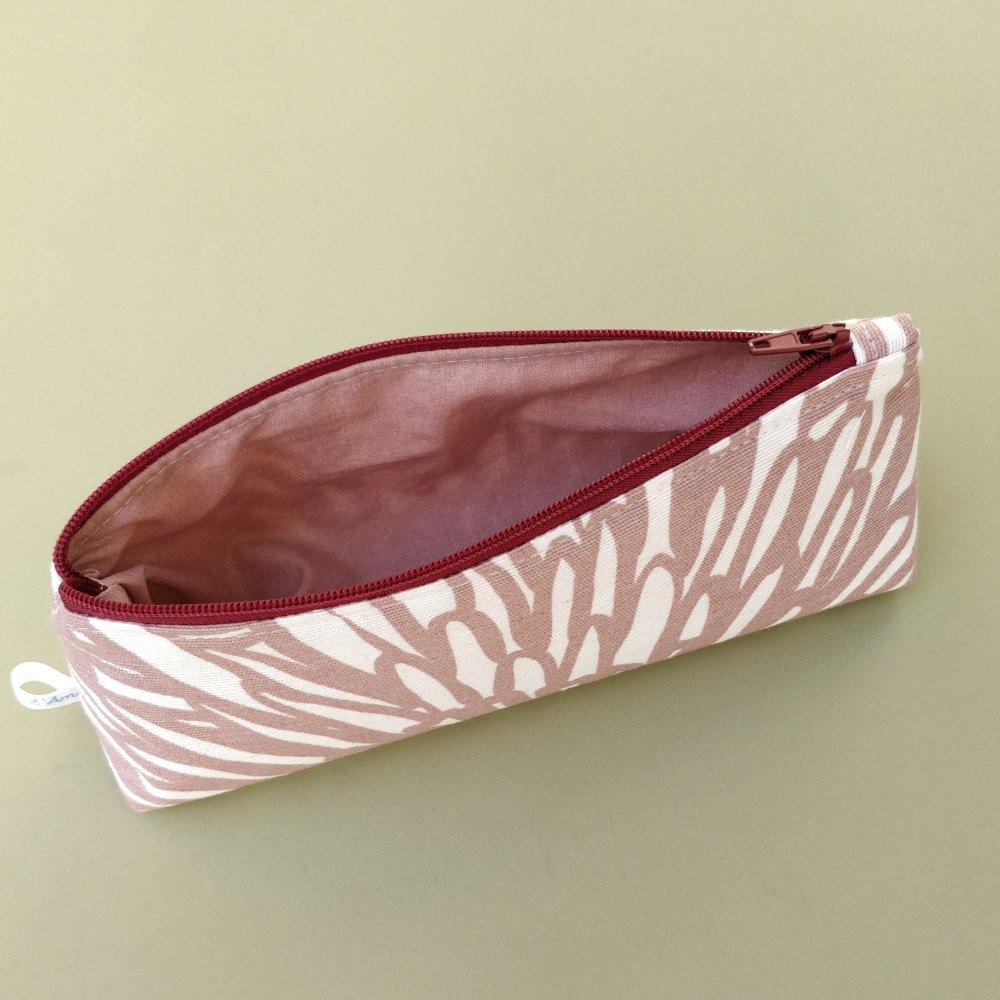 Trousse à crayons doublée, coton motif fleurs abstraites rose et écru.