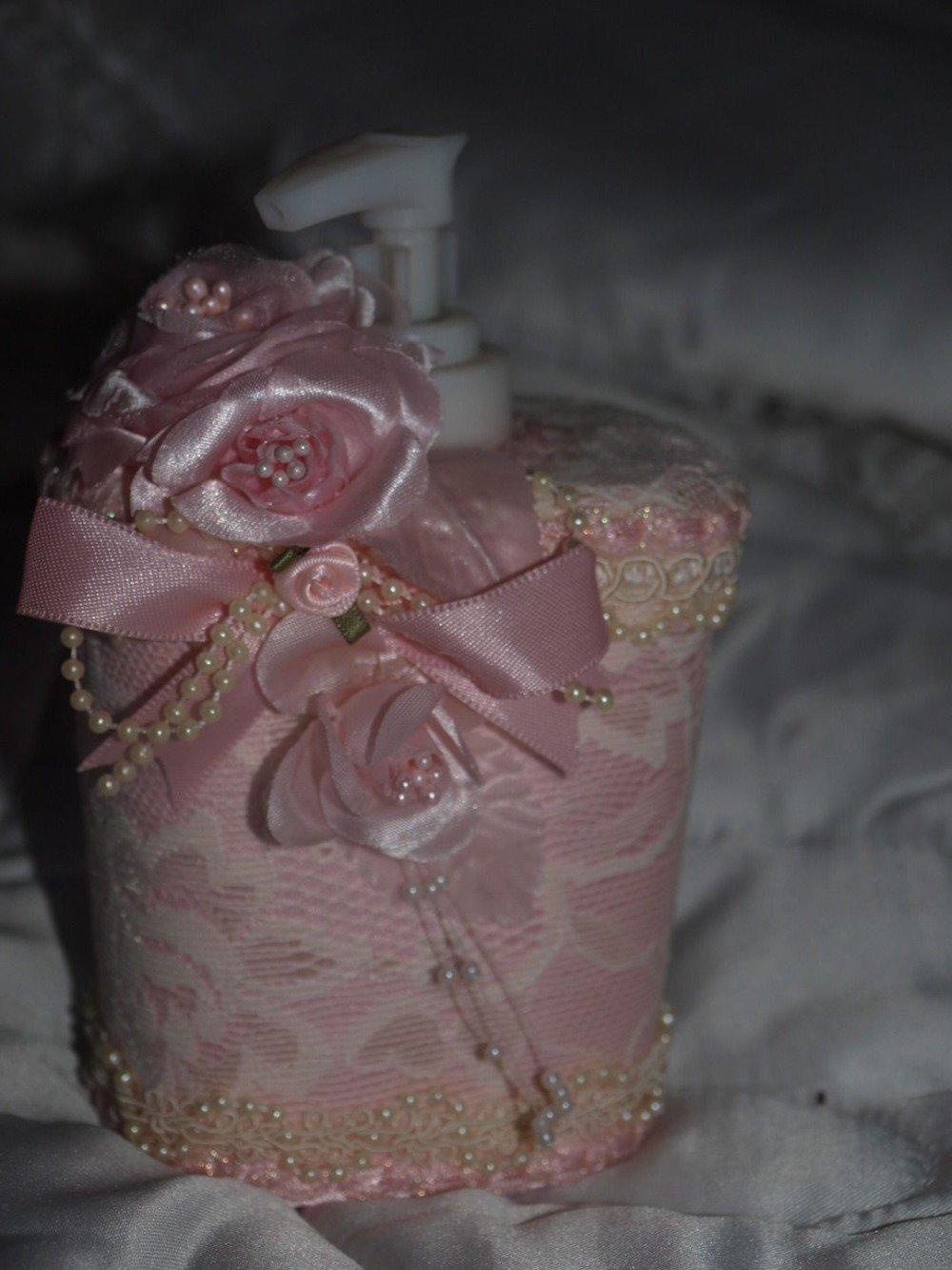 PORTE SAVON DECORATIF SHABBY CHIC EN DENTELLE ROSE ET PERLES ET FLEURS