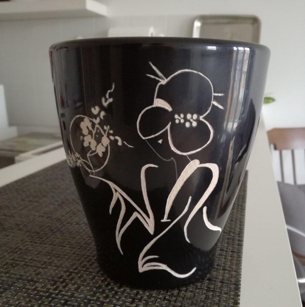 Cache pot noir en porcelaine personnalisable - Gravure Geisha