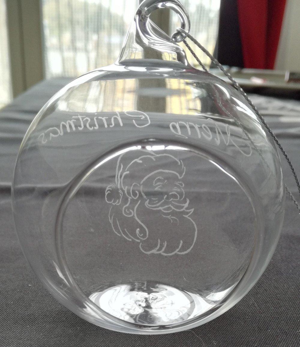 Boule en verre ouverte à suspendre personnalisée - Gravure Merry Christmas et décoration de Noël