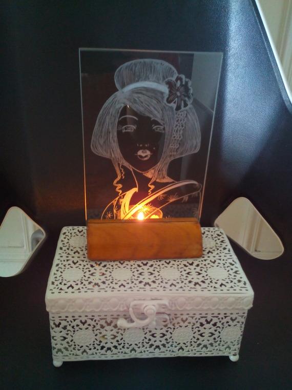Cadre sous verre de 10 x 15 cm personnalisation gratuite - Gravure geisha