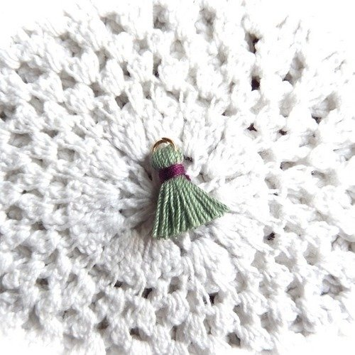 Breloque mini gland en fil de coton