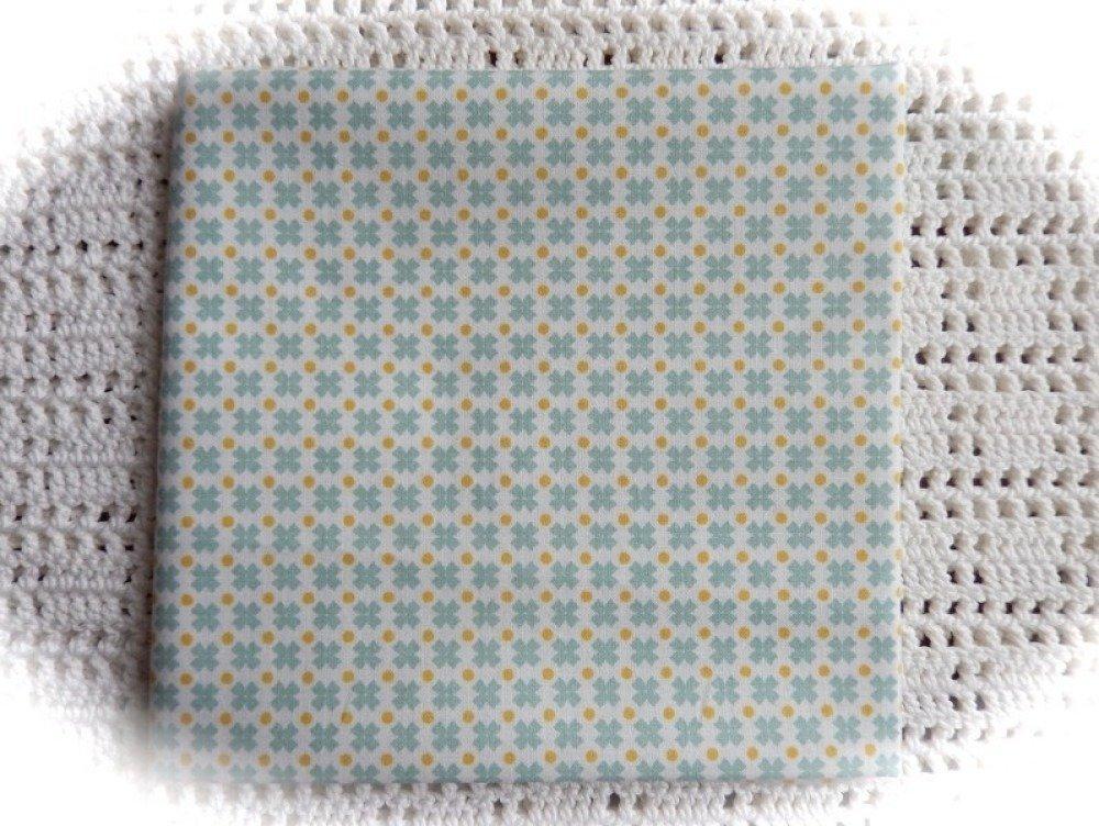 Coupon de tissu motif géométrique 48 x 50 cm