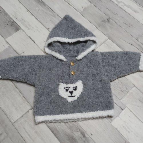 Pull à capuche 1 an gris et blanc et son écharpe blanche