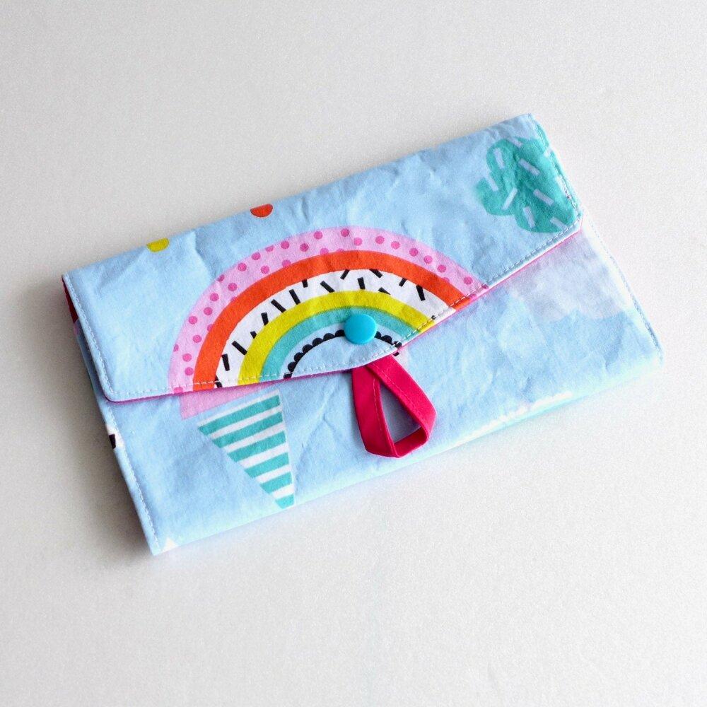 Pochette à barrettes et élastiques fillettes / art en ciel et cornet de glace / cadeau Noël fille original / moins de 20 euros