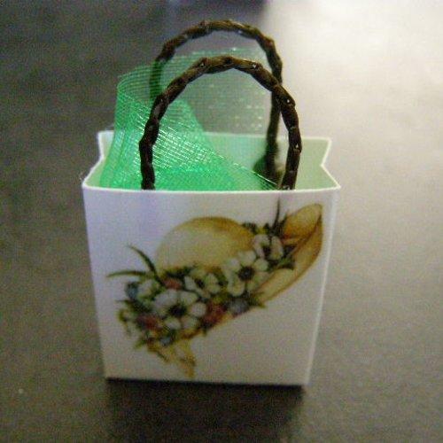 Sac miniature, maison de poupée, collection, chapeau