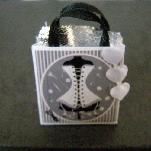 Sac miniature, maison de poupée, collection, corset