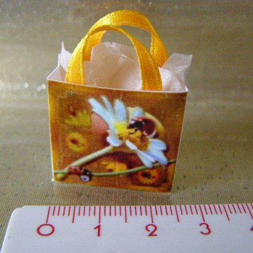 Sac miniature, maison de poupée, collection, fleur marguerite