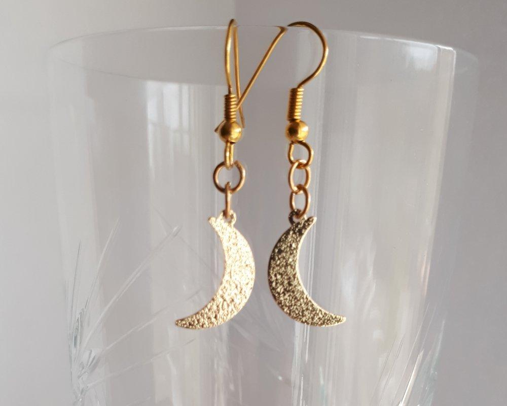 """Boucles d'oreilles """"lune dorée"""""""