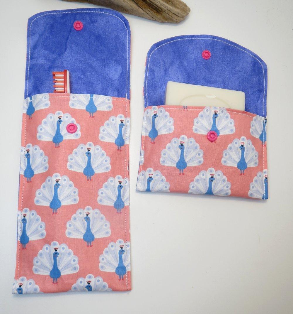 """étui à brosse à dents + étui à savon , kit du voyageur,rose et bleu """"Paon"""",cousu main ,cousu main ,pièce unique originale"""