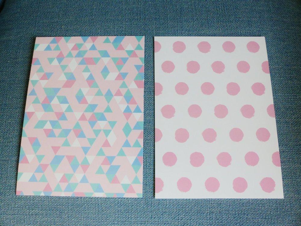 """2 affiche carte motif geometrique pois et triangle rose vert bleu et blanc 13 x 18 cm 5 x 7 """" pouces à encadrer"""