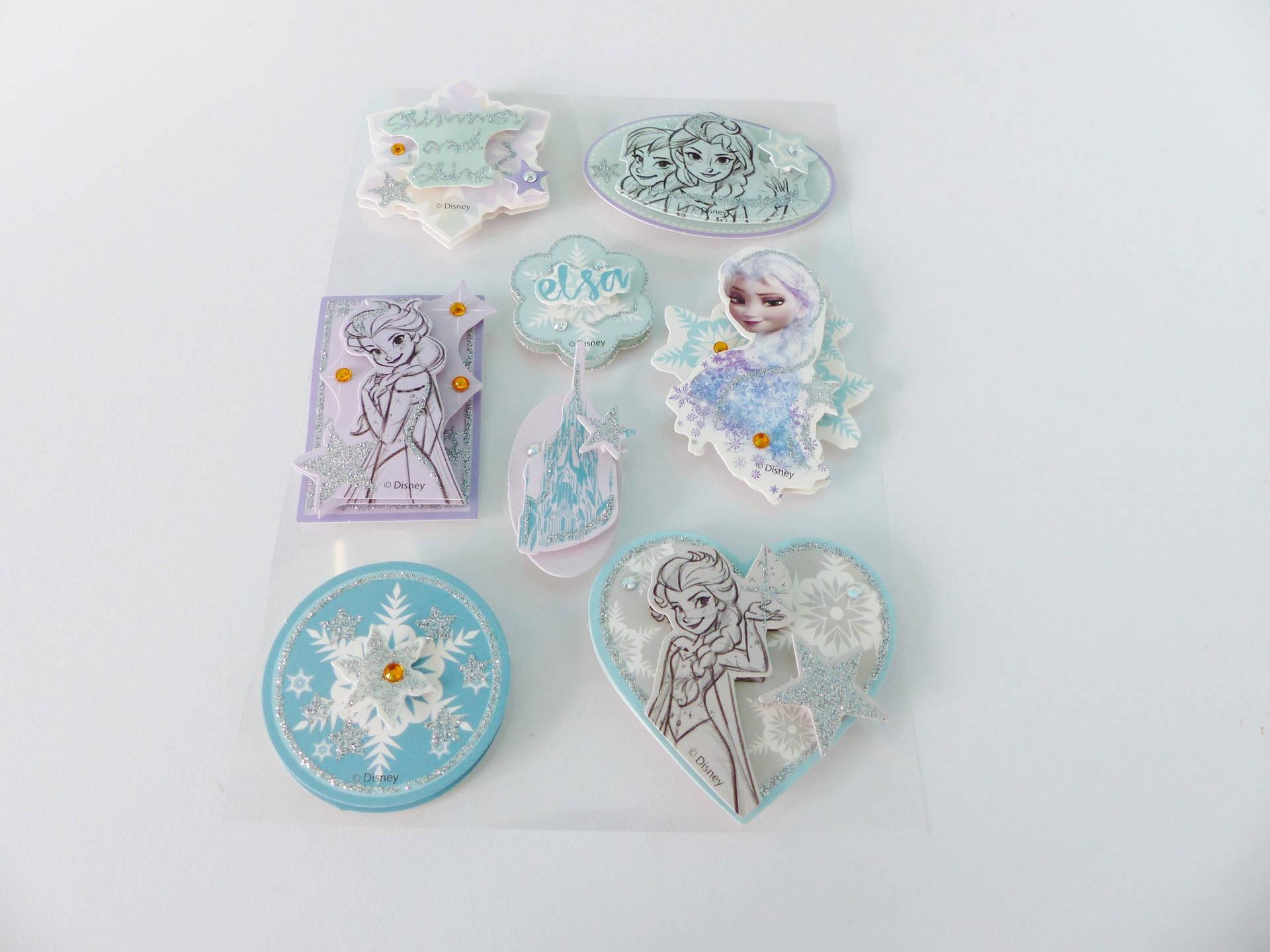 8 magnifiques stickers la reine des neiges elsa  en relief 3D cartonné avec strass et paillettes
