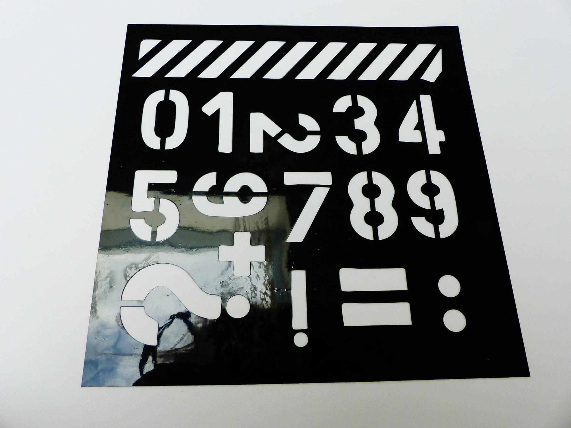 pochoir souple chiffre numéro  carré de 15 centimètres