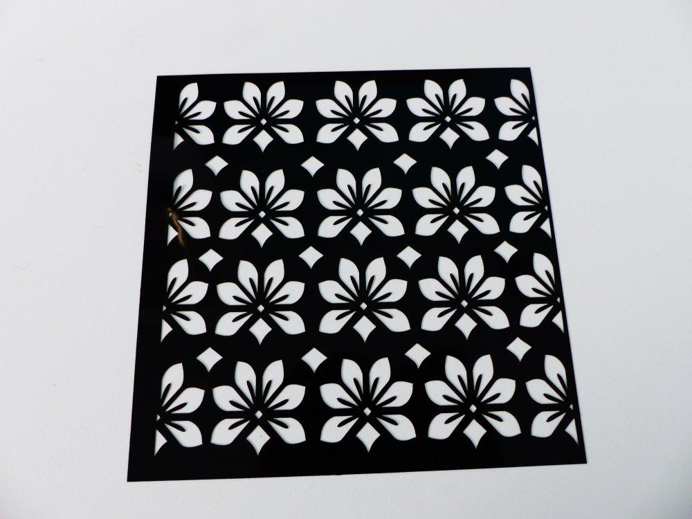 pochoir fleur , souple carré de 15 cm / 6 inches, réutilisable