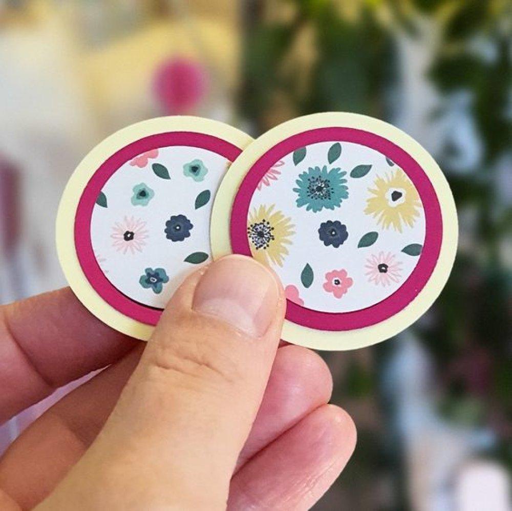 Guirlande plate ronds jaune et imprimé fleurs