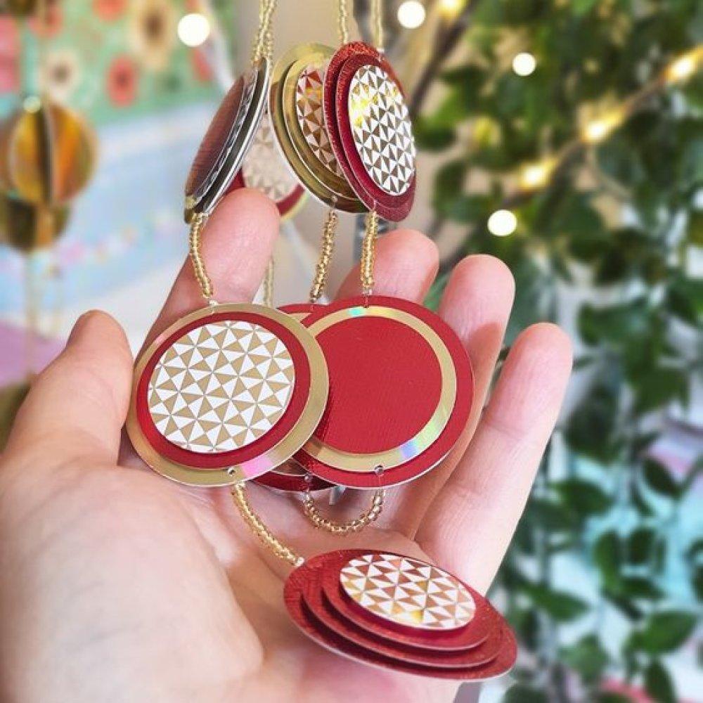 Guirlande plate ronds rouge et or
